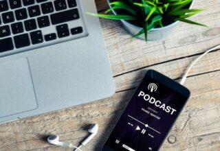 iPhone'da Podcast Dinleme: En İyi Seçenekler!